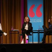 lit.COLOGNE 2019: Moderator Louis Klamroth spricht mit Miriam Meckel und Frank Schätzing über künstliche Intelligenz. © Ast/Juergens